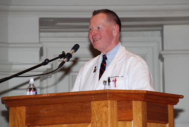 Dr. Randy Canterbury, Senior Associate Dean for Education, at the White Coat Ceremony. Photo courtesy of the U.Va. Medical Alumni Association.